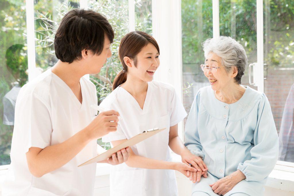 介護士と老人