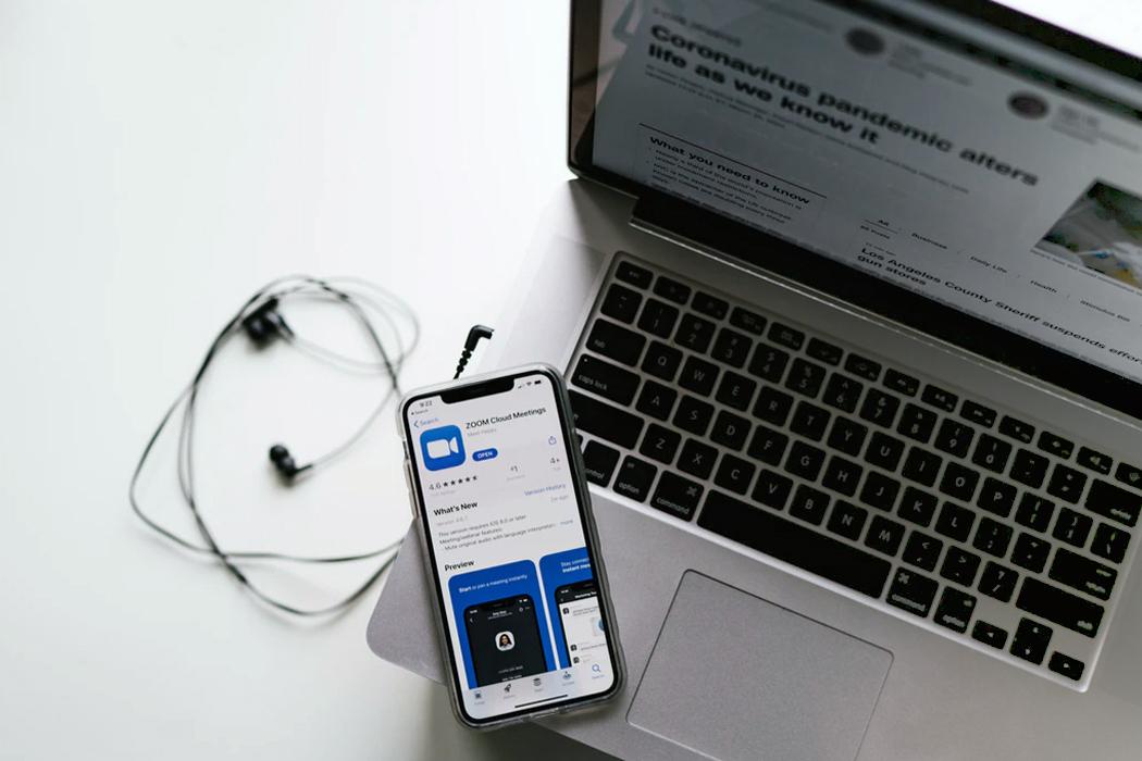 近年注目されているオンライン介護相談とは?メリットや注意点を紹介