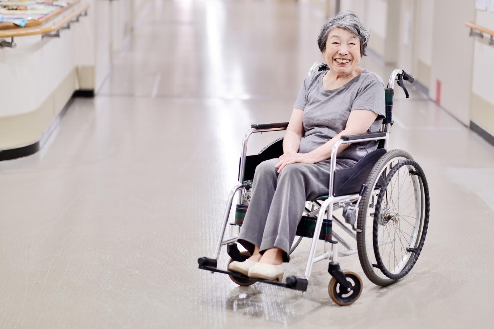 介護と医療で高齢者を支える「ナーシングホーム」について解説